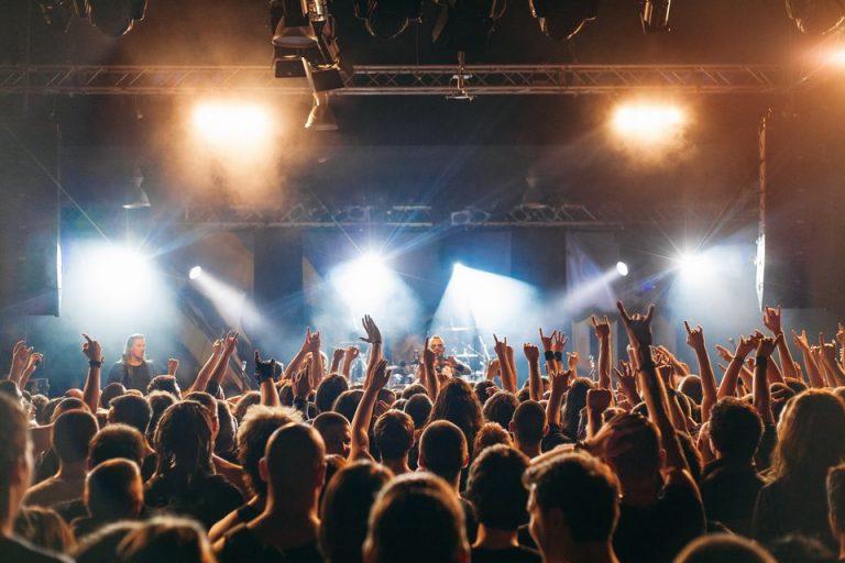 Groupe de musique en concert dans le Rhône et le Beaujolais